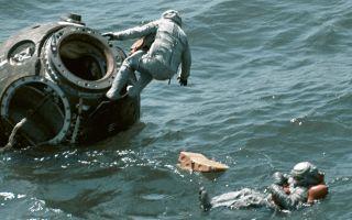 Как советские космонавты выжили, упав из космоса