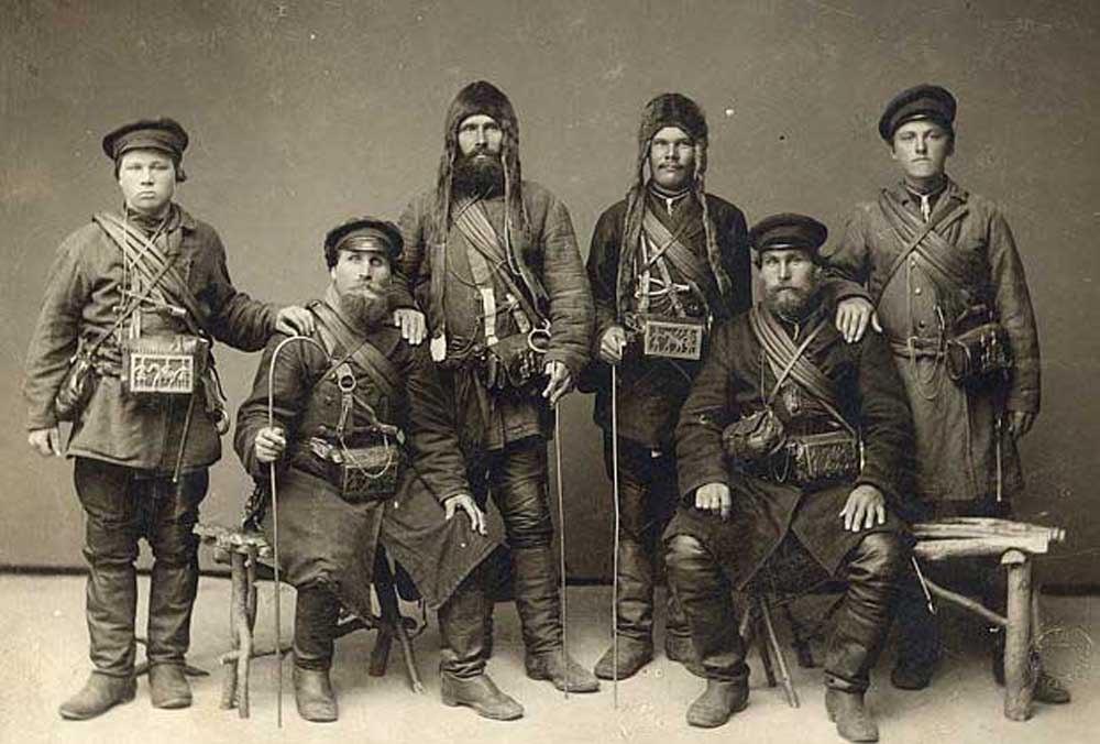 Мезенские коновалы. Конец 19 века.jpg