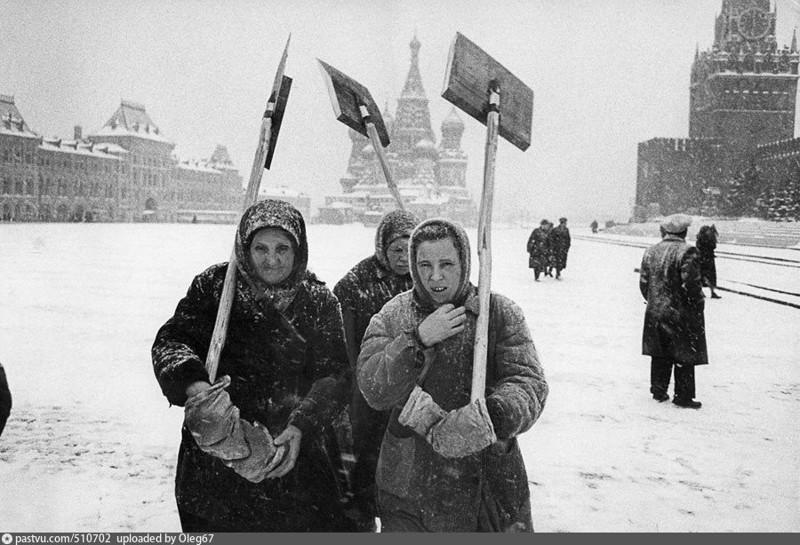 Дворники на Красной площади, 1960 год СССР, история, факты