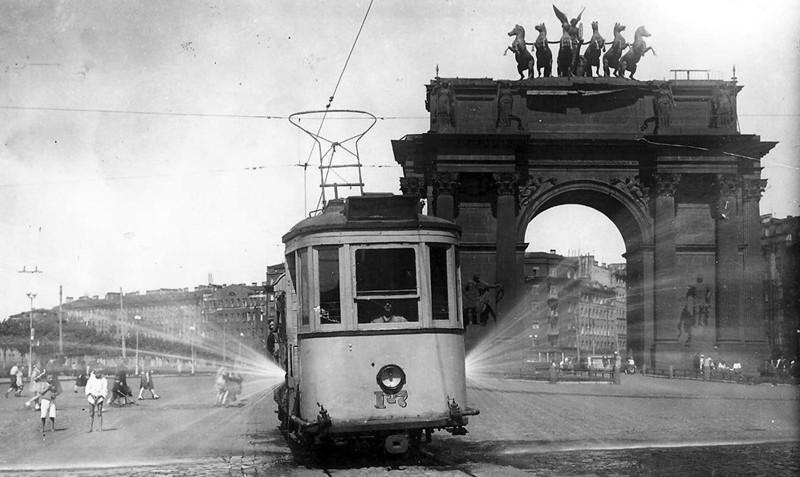 Трамвай-поливалка на площади Стачек. 1951 г. СССР, история, факты