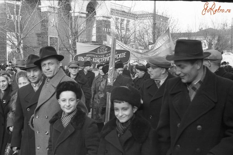 1955 год, Воронеж 7 ноября, СССР, демонстрация, застолье, парад, революция