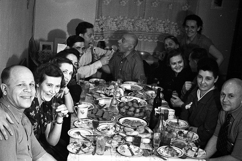 Как проходили ноябрьские праздники в СССР 7 ноября, СССР, демонстрация, застолье, парад, революция